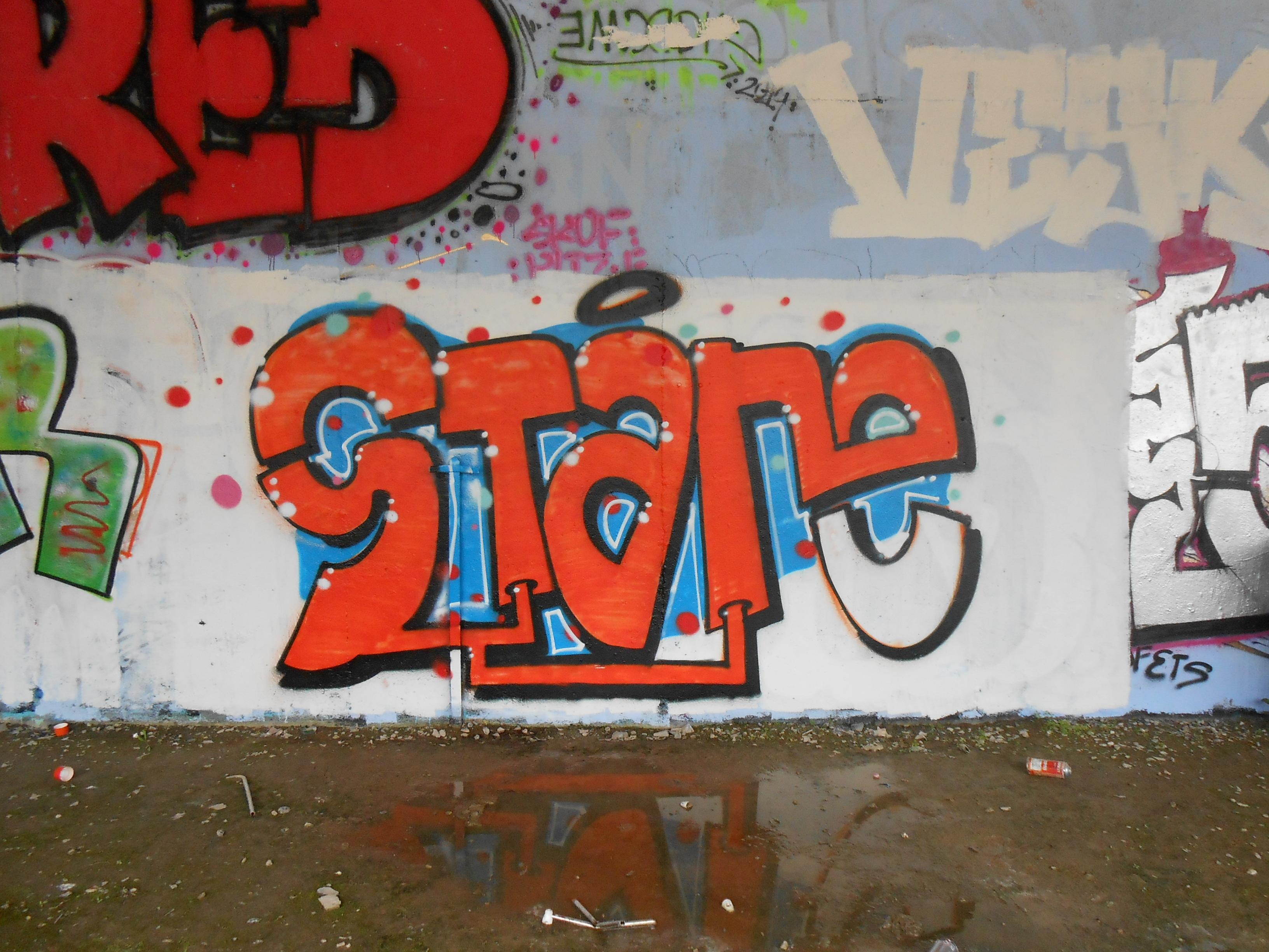 Besancon_graffiti_Stane_juill2014