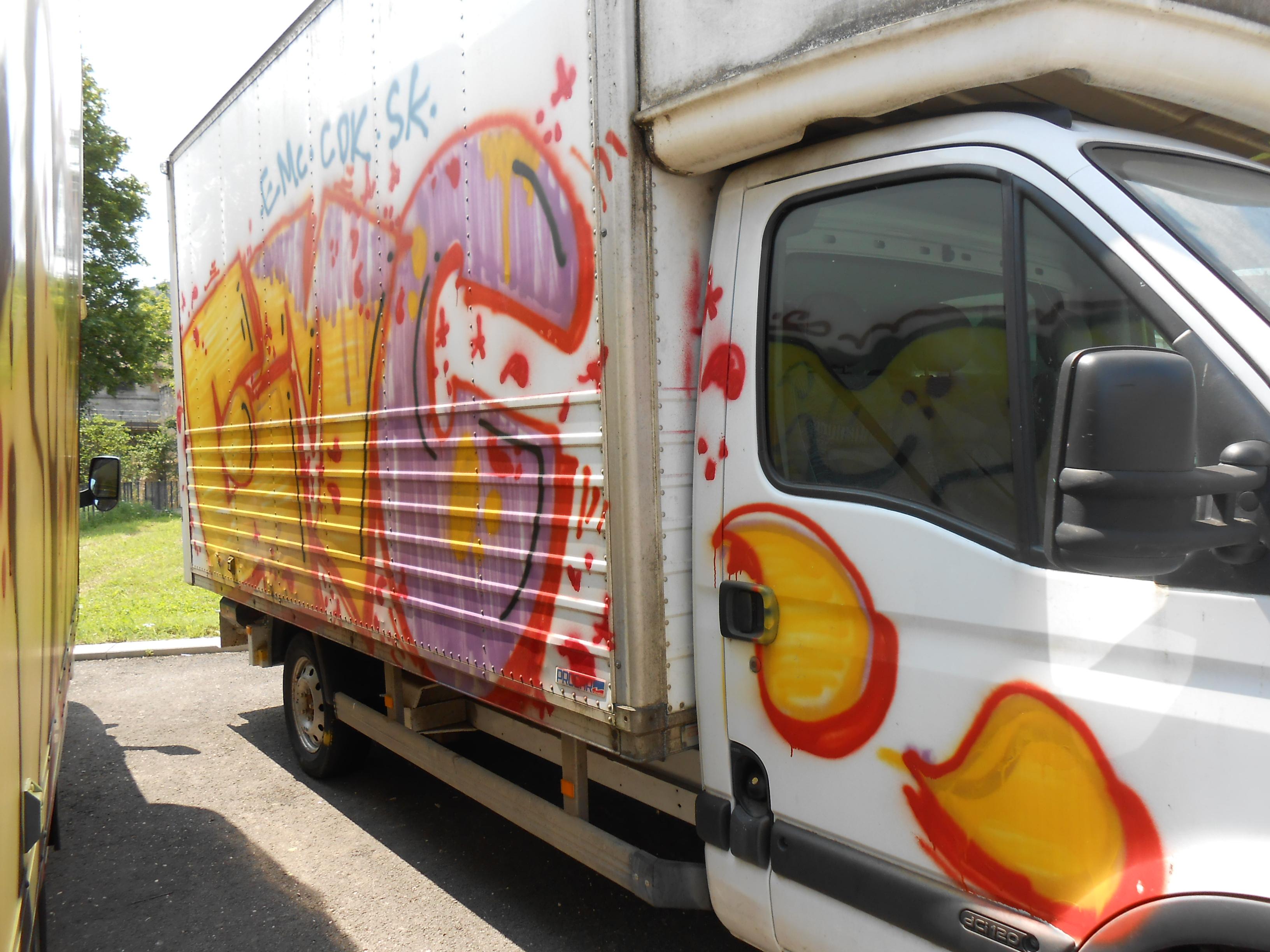 EMC-camion-graffiti-besancon-07.2014