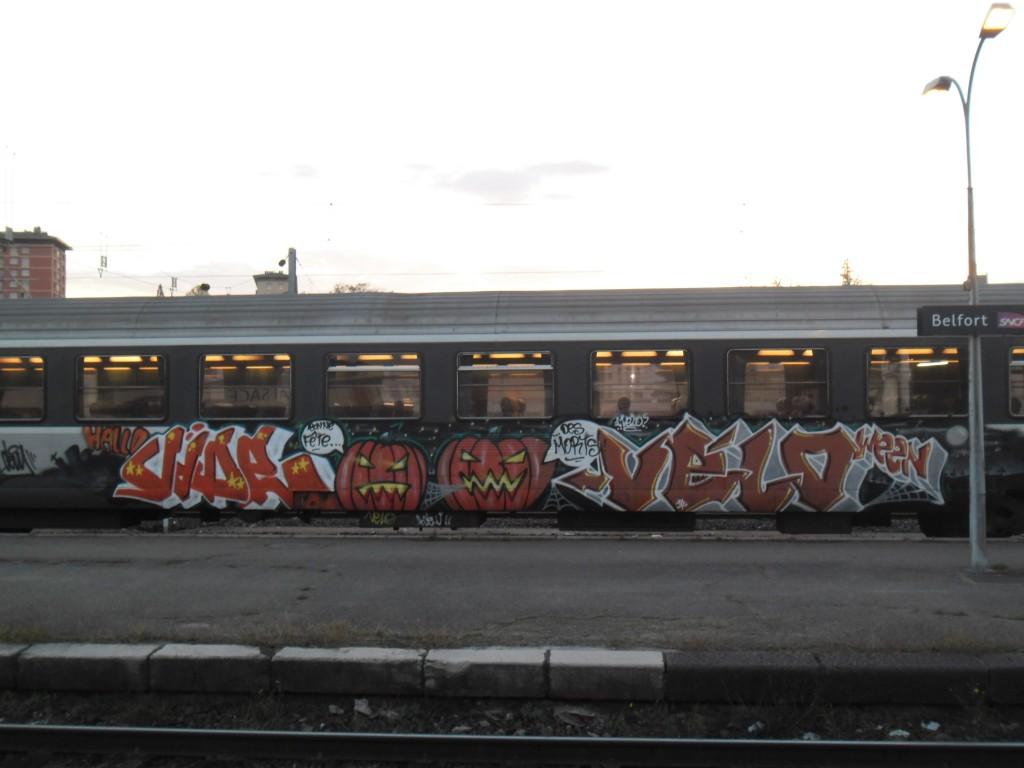 vide, velo - belfort -graffiti