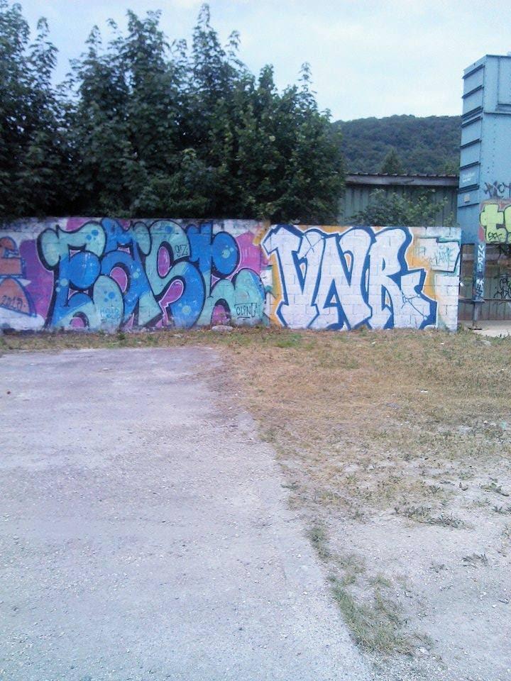 East - VNR crew - voie ferrée Voujeaucourt 2015 graffiti