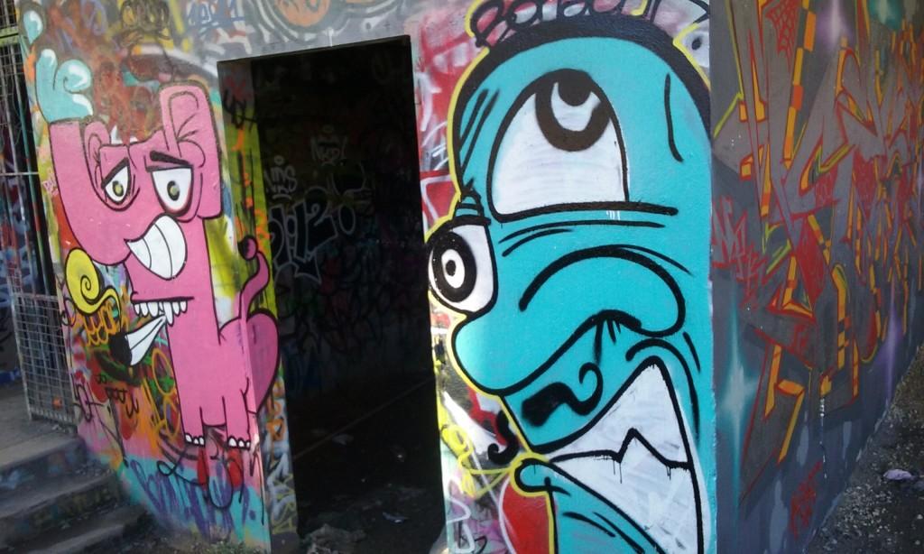BONJOUR - graffiti besancon 2015 (1)